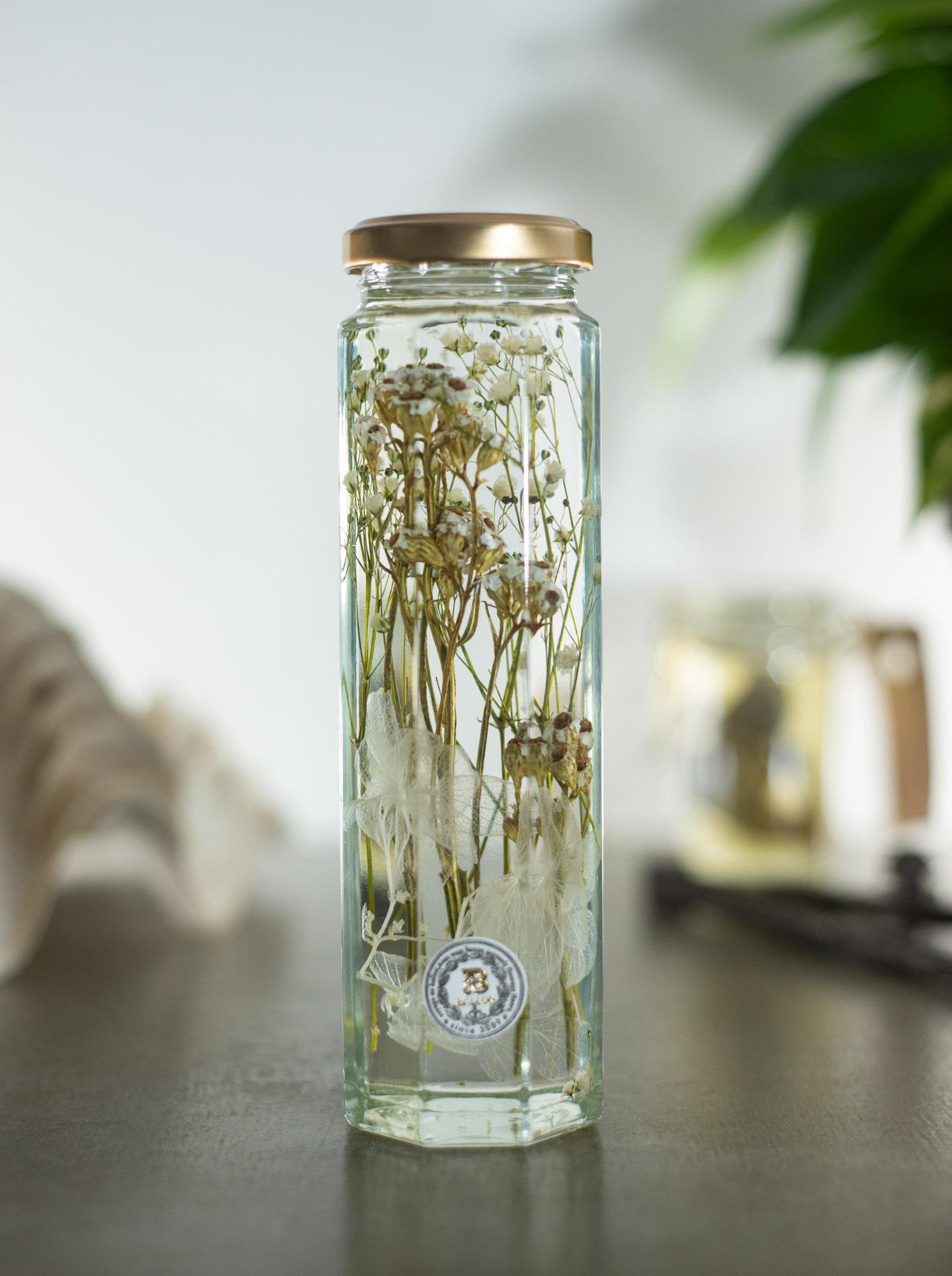 Herbarium White